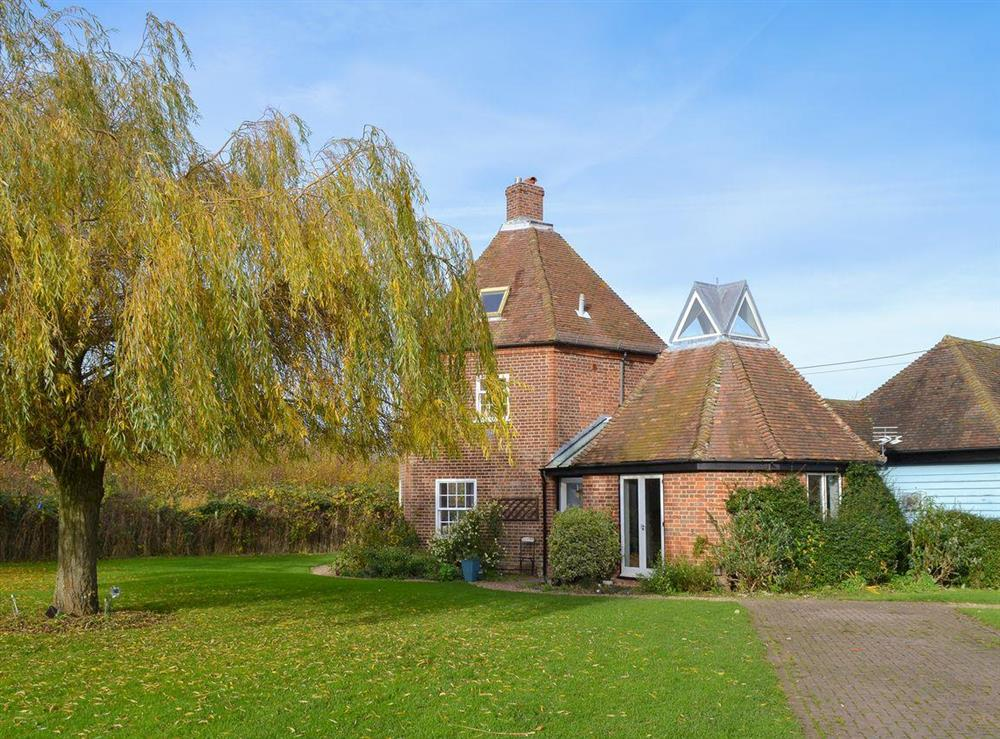 Extremely attractive Grade II listed detached holiday home at Willow Tree House,