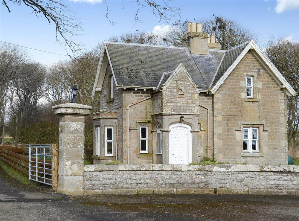 Lovely detached gatehouse cottage at The Gate Lodge in Latheron, near Wick, Highlands, Caithness