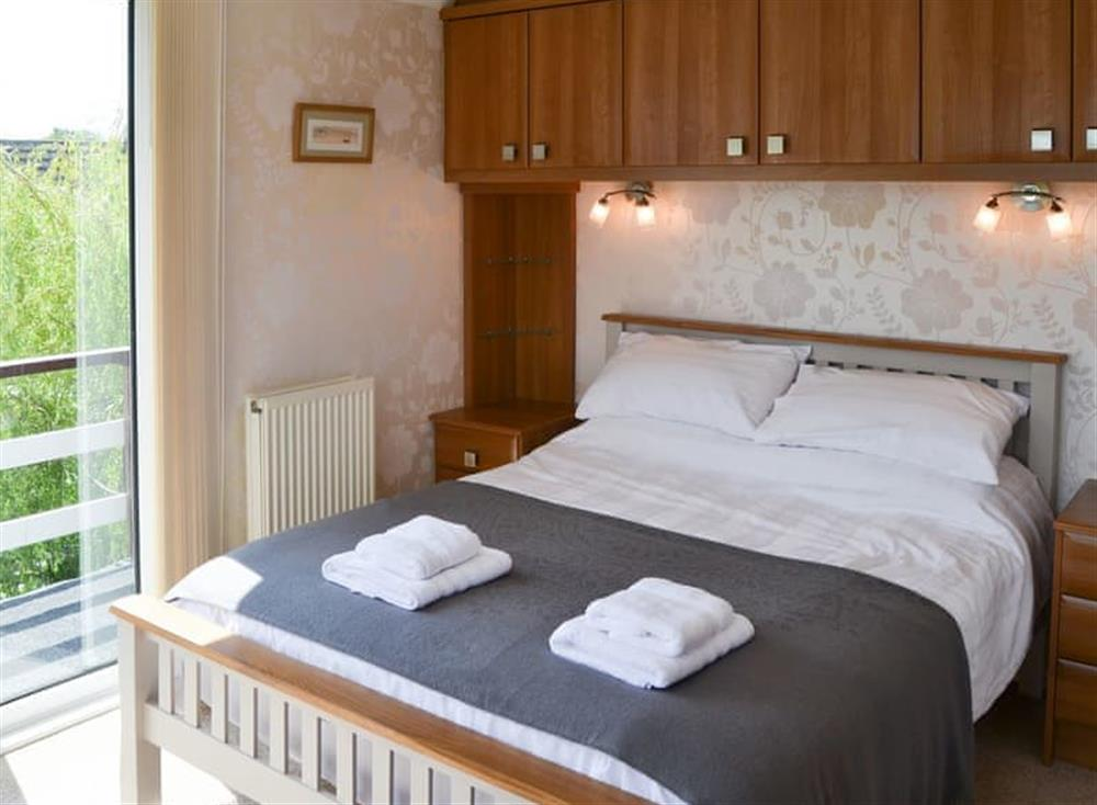 Double bedroom at The Haven in Hoveton, near Wroxham, Norfolk
