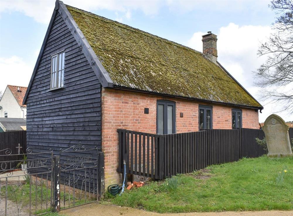 Delightful detached holiday home at The Hay Barn in Beccles, Suffolk