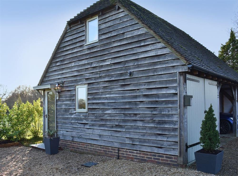 Charming apartment in a thoughtfully converted former outbuilding at The Hayloft in Wineham, near Henfield, Dorset