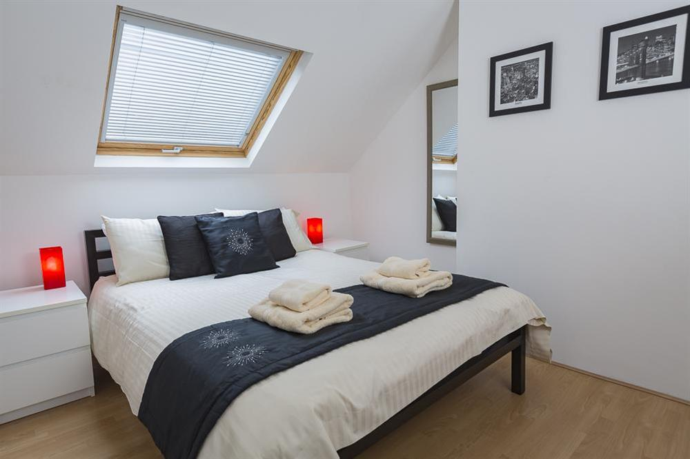 Double bedroom with King-size bed (second floor) at The Hideaway in , Dartmouth