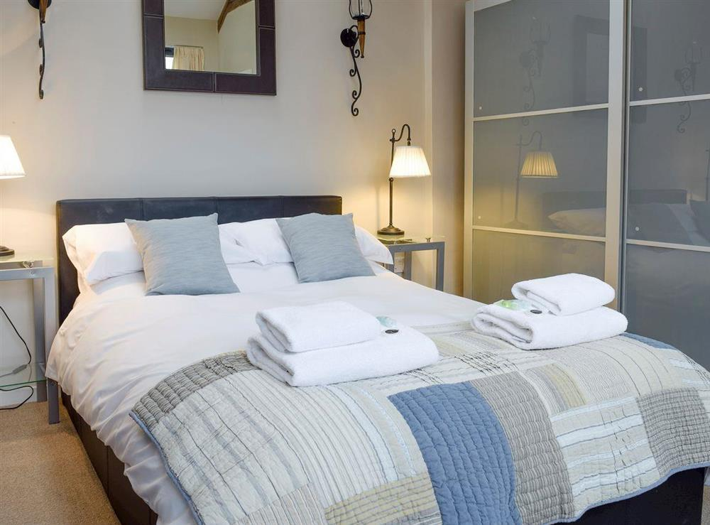 Comfortable second double bedroom at The Joinery in Ledbury, Herefordshire
