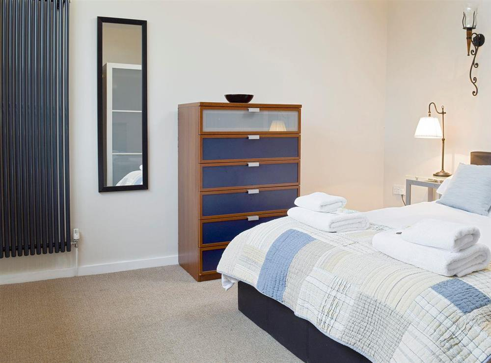 Peaceful second double bedroom at The Joinery in Ledbury, Herefordshire