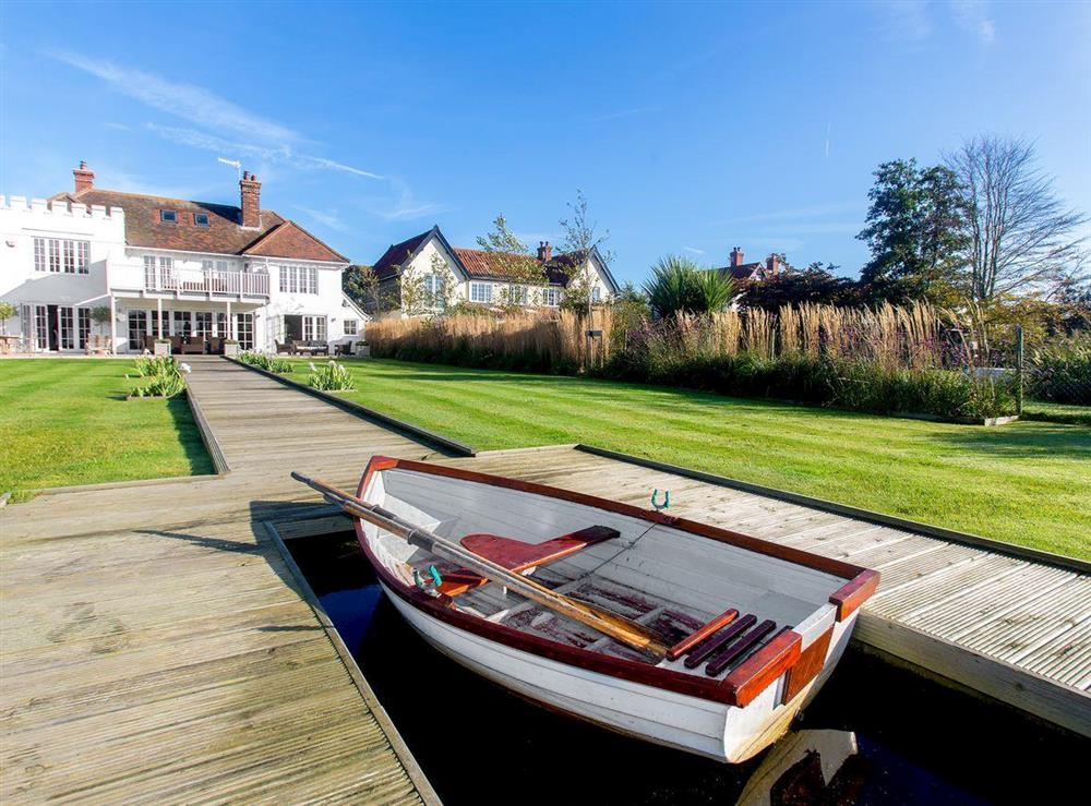 Delightful holiday home in a stunning location at The Lily Pad in Thorpeness, near Aldeburgh, Suffolk