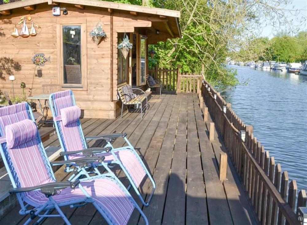 Delightful riverside holiday home at The Moorings in Thorpe St Andrew, near Norwich, Norfolk