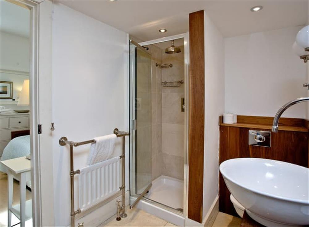En-suite at The Old Chapel of Stoke Fleming in , Stoke Fleming