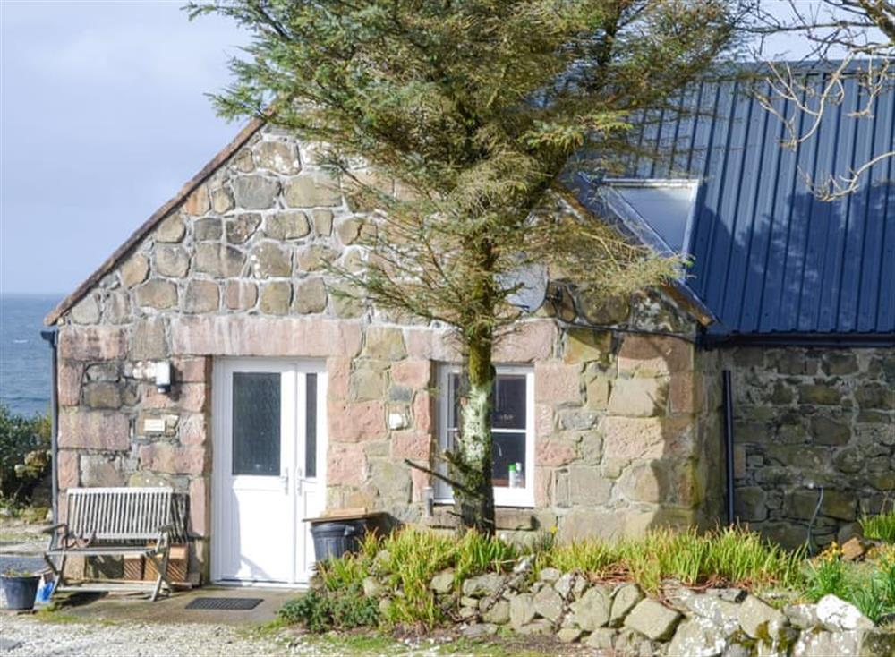 Delightful coastal holiday home at The Old Dye House in Hallin, Isle Of Skye