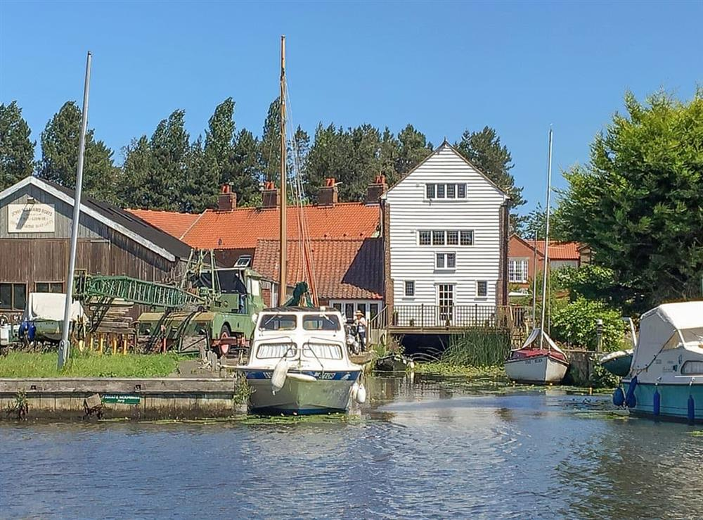 Surrounding area (photo 2) at The Old Granary in Stalham Staithe, Norfolk