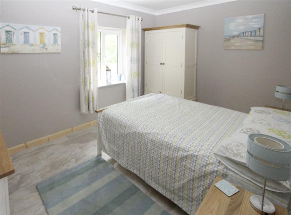 Relaxing double bedroom at Squirrels Drey,