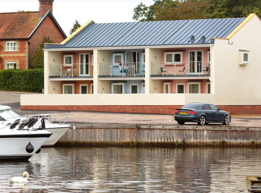 Beautiful contemporary apartment overlooking a private marina at Crested Grebe,