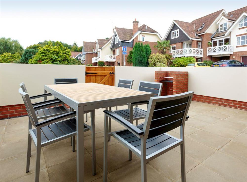 Private courtyard with built-in BBQ at Crested Grebe,