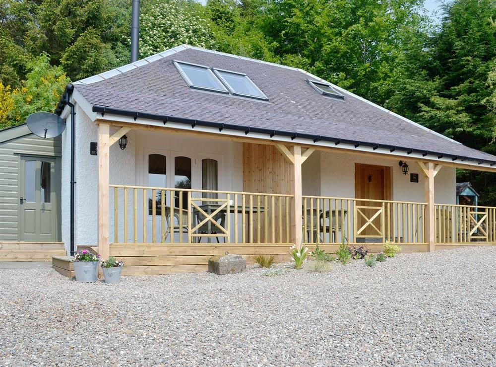 Fine wood-clad semi-detached cottage at The Stable in Port Of Menteith, Stirlingshire