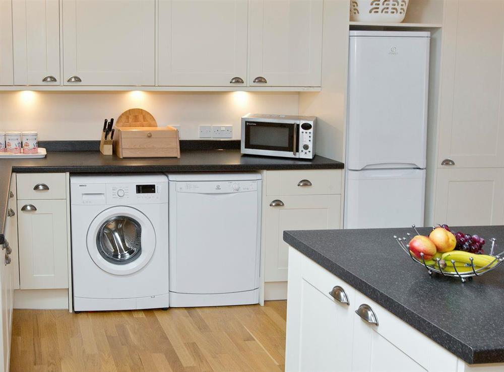 Fully-equipped fitted kitchen at Sycamore Cottage,