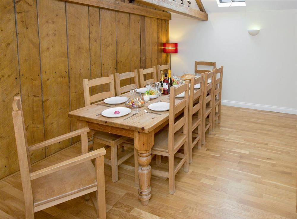 Spacious dining area at Sycamore Cottage,