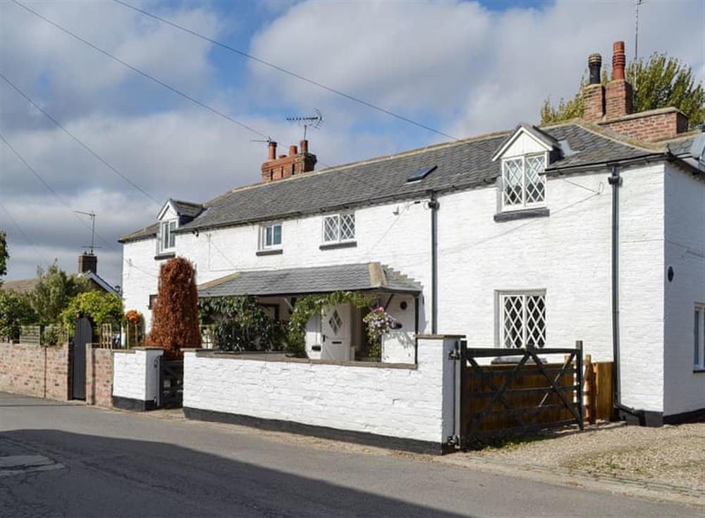 Quaint semi-detached cottage at Thwaite Cottage in Sigglesthorne, near Hornsea, North Humberside