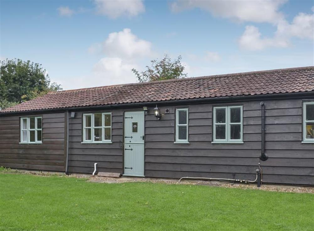 Lovely renovated lodge at Tiptoe in Steeple Ashton, near Trowbridge, Wiltshire