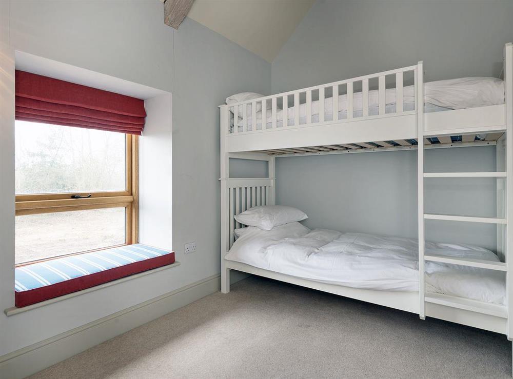 Cosy bunk bedroom at Peak Hall,