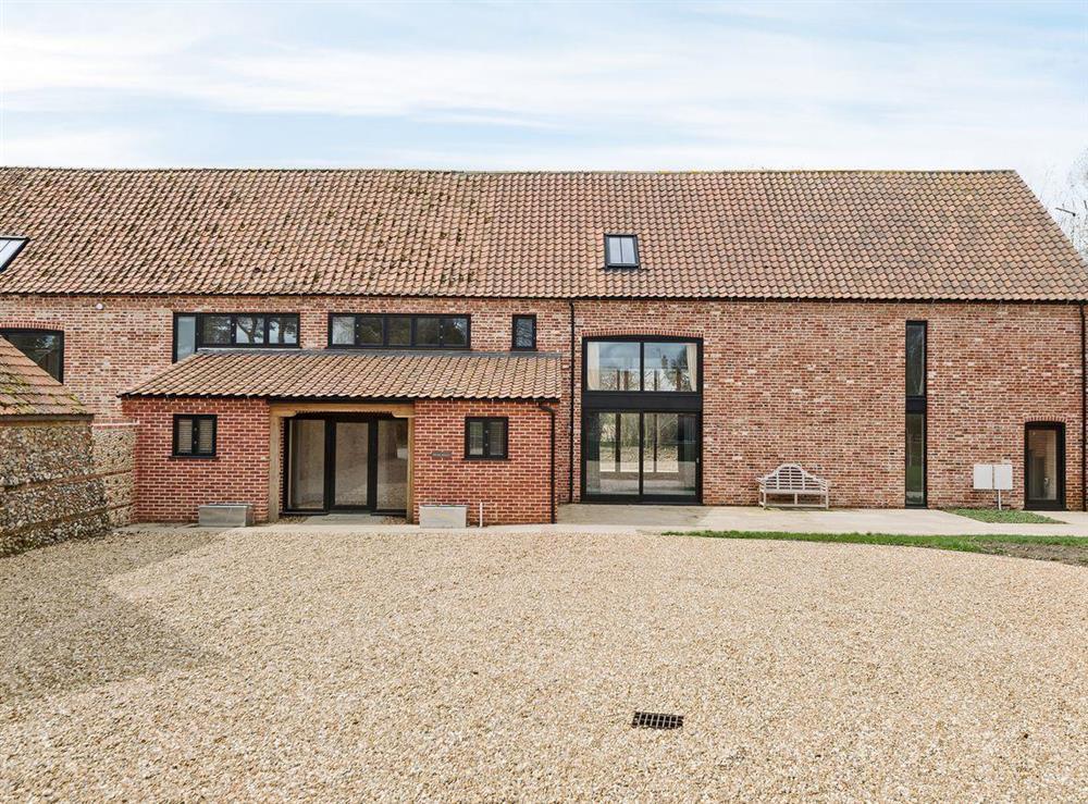 Delightful converted barn at Peak Hall,