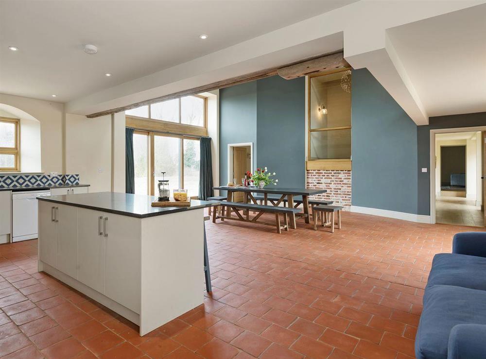 Luxurious kitchen/dining room (photo 2) at Peak Hall,