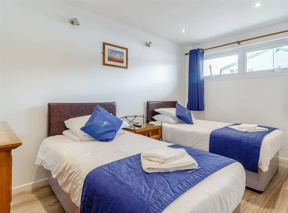 Twin bedroom at Top Sail in Wroxham, Norfolk
