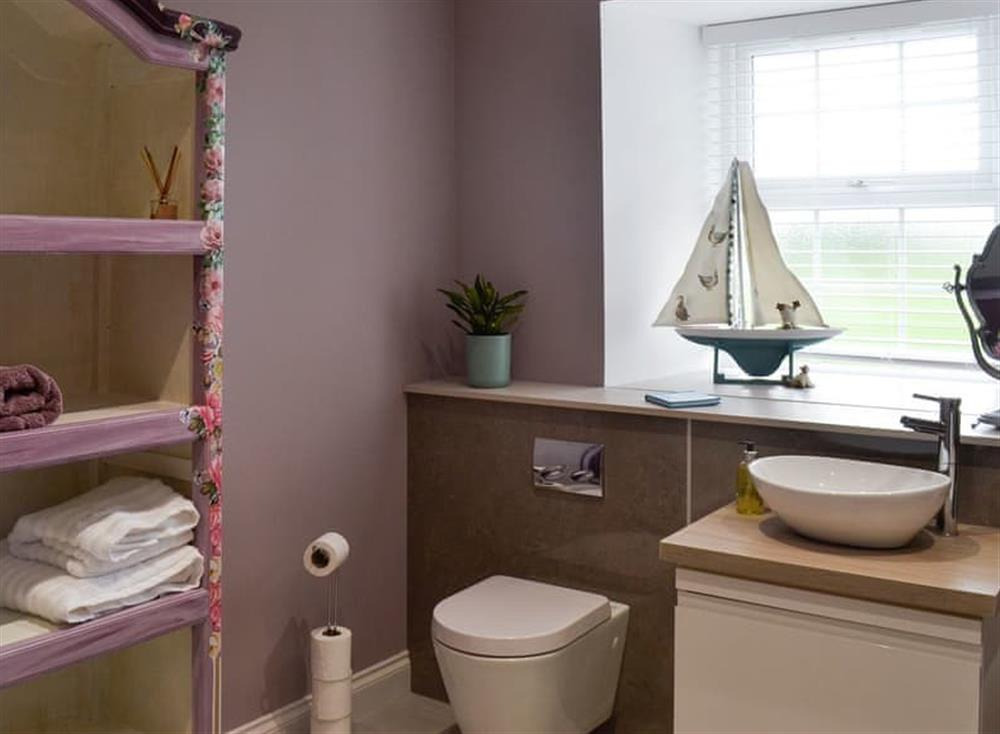 Bathroom with separate shower (photo 3) at Torcross Barn in Tarbolton, near Ayr, Ayrshire