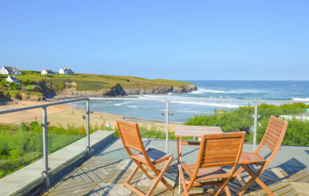 Trewalder is a stunning holiday home which spills out onto beautiful Treyarnon Bay