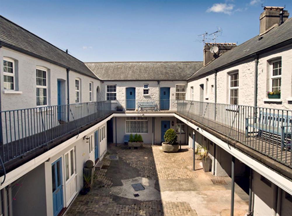 Trinity mews courtyard