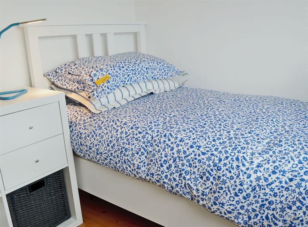 Cosy single bedroom (photo 2) at Ty Hen in Llangwnnadl near Pwllheli, Gwynedd
