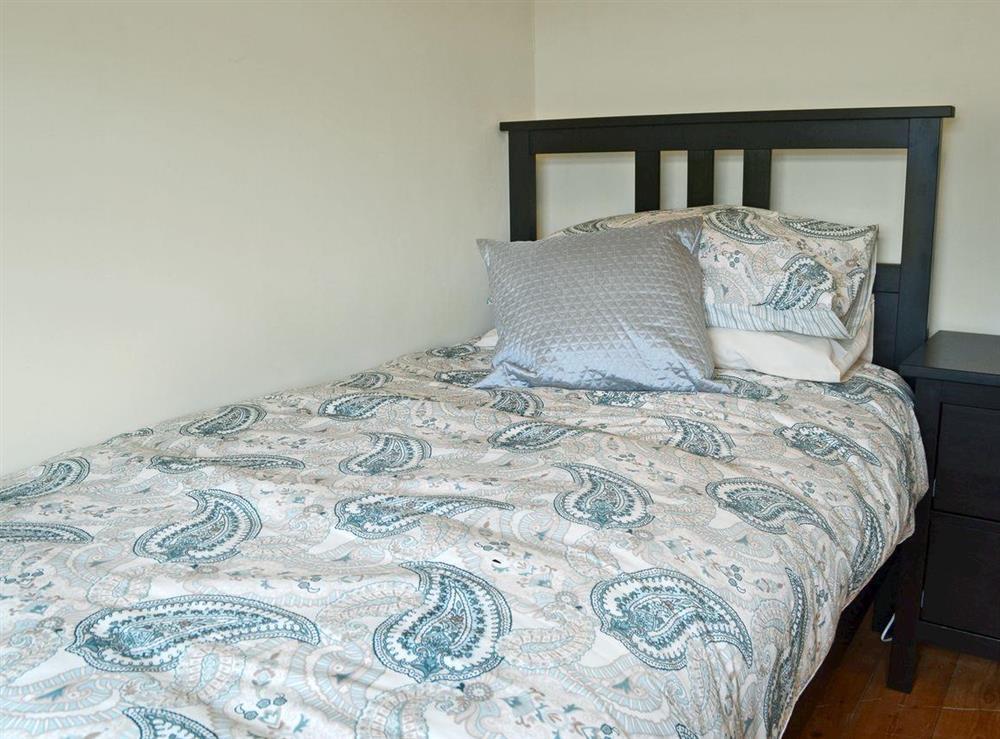 Cosy single bedroom at Ty Hen in Llangwnnadl near Pwllheli, Gwynedd