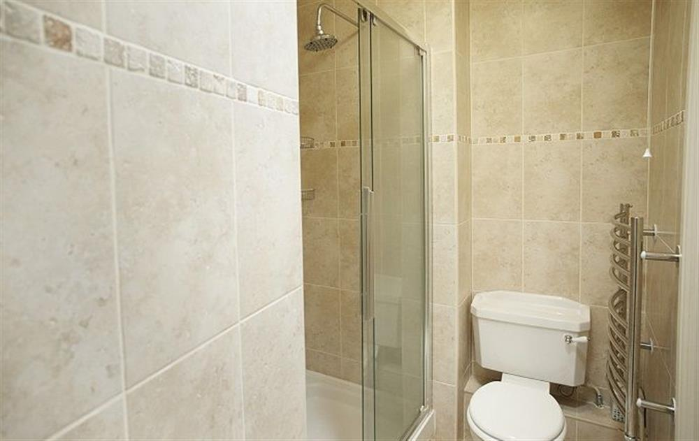 First floor: En-suite shower and wc at Underwood House, East Knoyle
