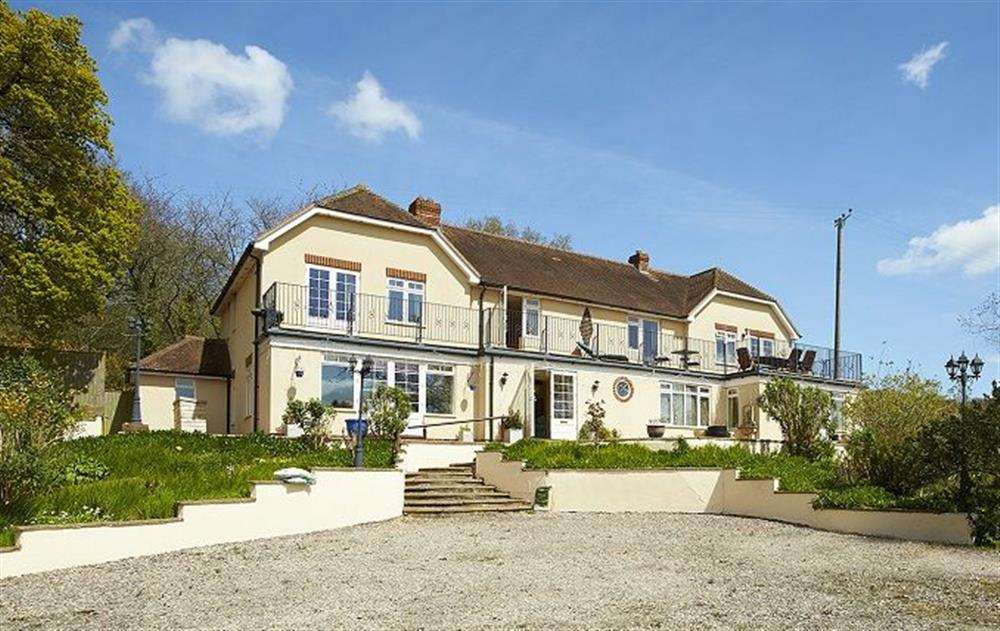 Quietly situated in a small hamlet, this south facing modern country manor offers light spacious and comfortable accommodation for guests to relax and enjoy