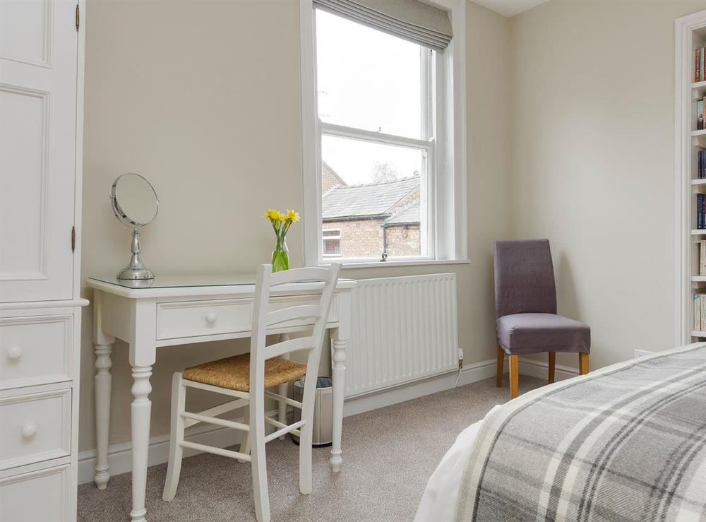 Stylishly furnished double bedroom with kingsize bed (photo 2) at No 1 Victoria Apartment,