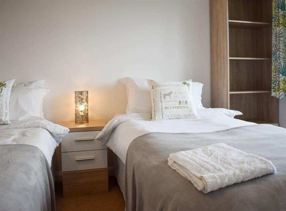 Zip and link twin beds (can be super kingsize on request)