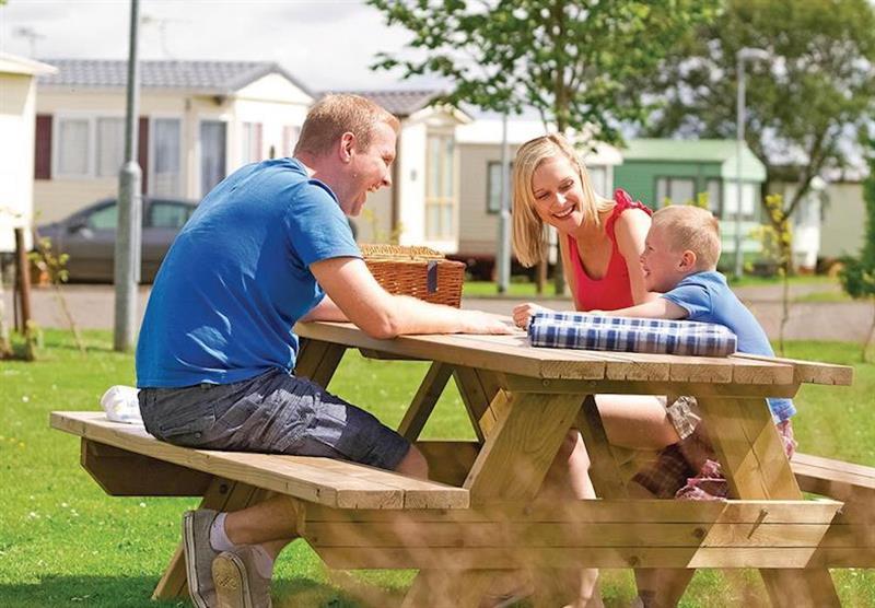 Have a picnic at Viewfield Manor Holiday Park in Kilwinning, Ayrshire