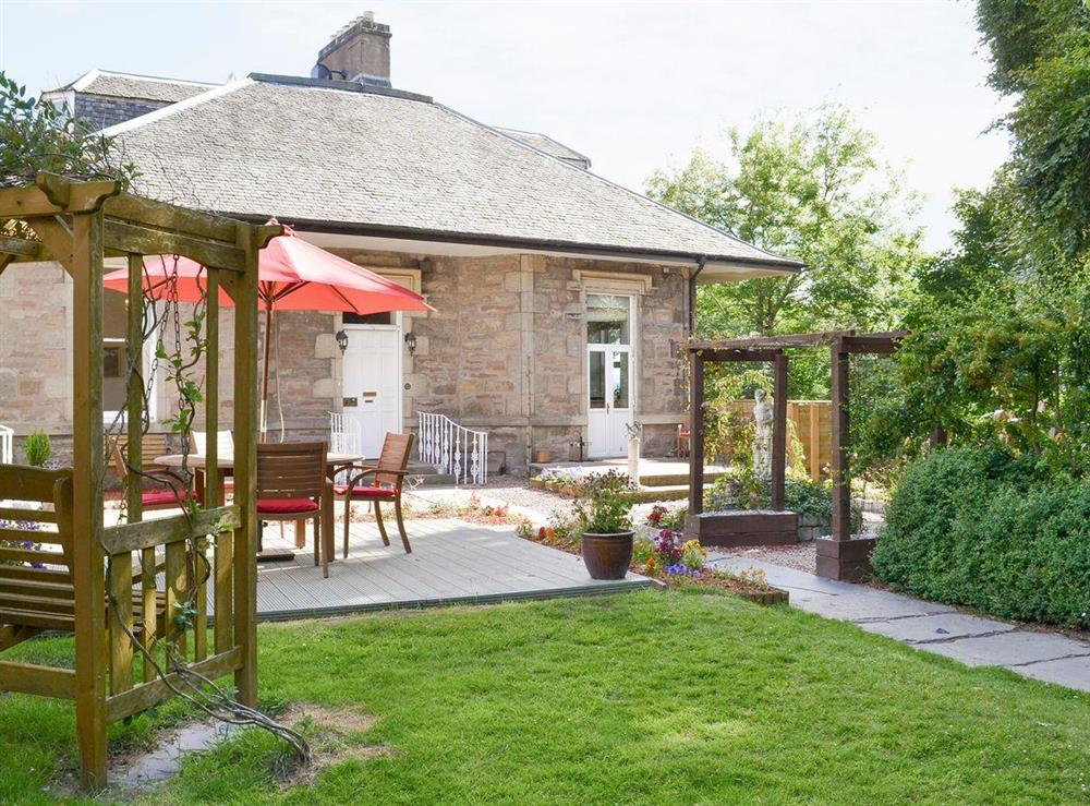 Lovely holiday home in beautiful gardens at Anderson,