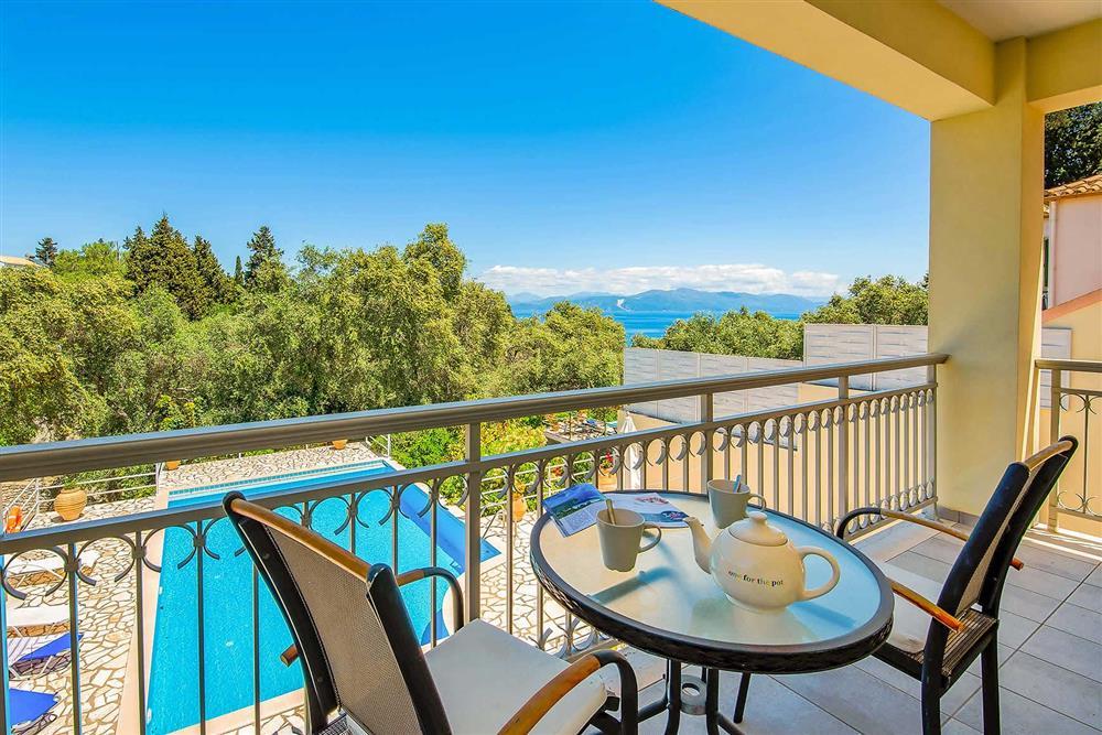 Balcony, pool