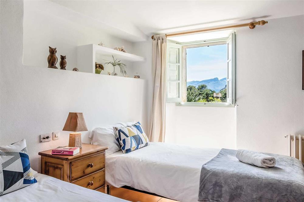 Twin bedroom at Villa Can Segui, Puerto Pollensa, Mallorca