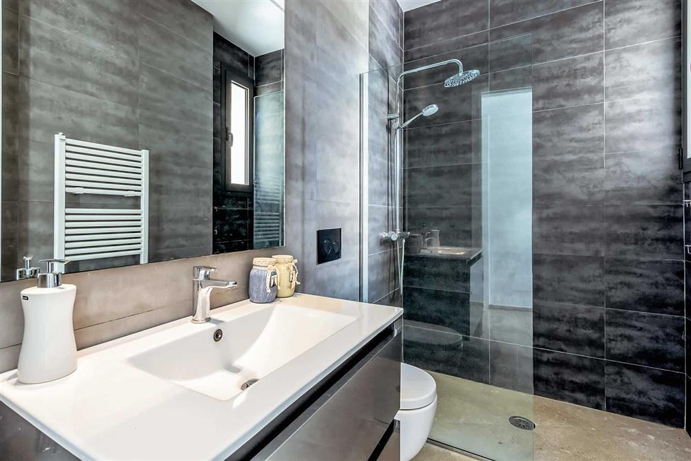 Bathroom (photo 4) at Villa Can Tereu, Pollensa, Mallorca