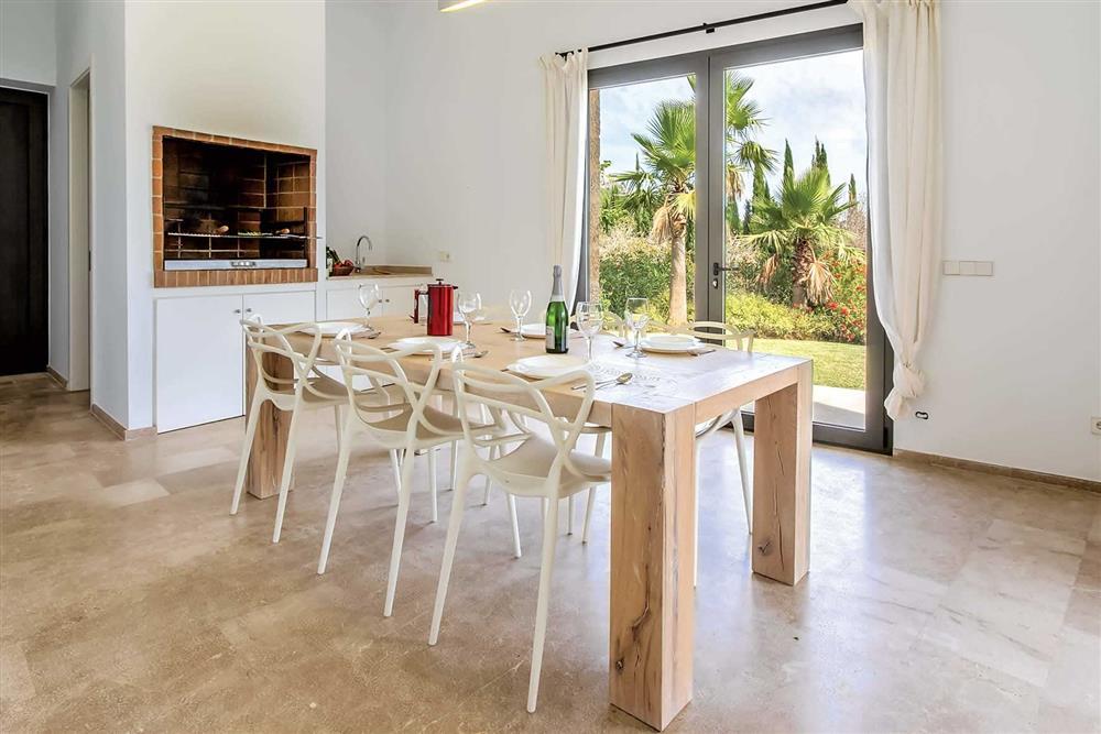 Dining room, barbecue at Villa Can Tereu, Pollensa, Mallorca