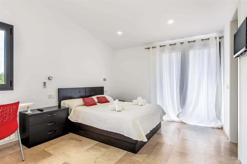 Double bedroom (photo 4) at Villa Can Tereu, Pollensa, Mallorca