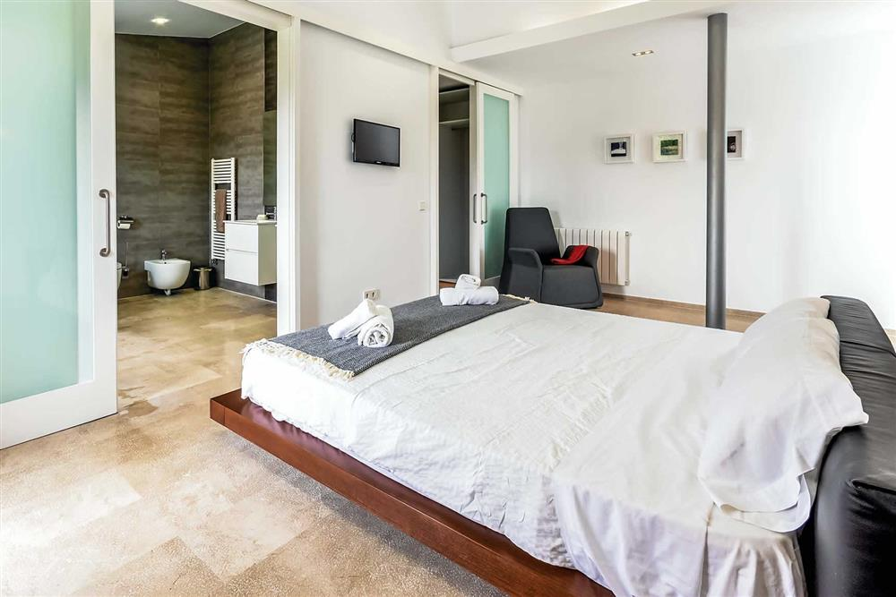 Double bedroom, en suite at Villa Can Tereu, Pollensa, Mallorca