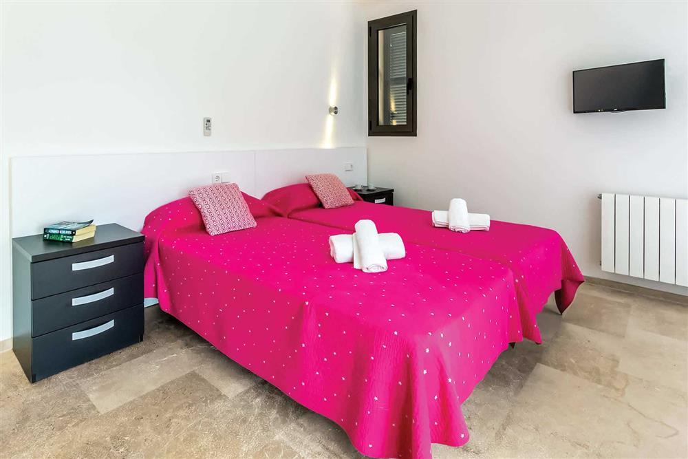 Twin bedroom (photo 2) at Villa Can Tereu, Pollensa, Mallorca