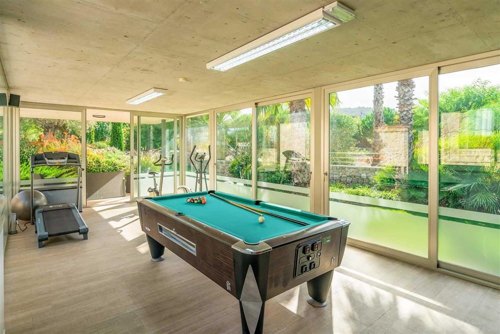 Games room and pool table at Villa Canacati, Pollensa, Mallorca
