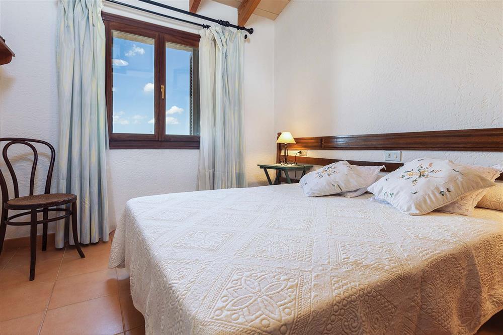 Double bedroom (photo 2) at Villa Carratxet, Sa Pobla, Mallorca
