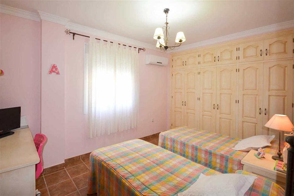 Twin bedroom (photo 6) at Villa Casa Dalia, Nerja, Andalucia