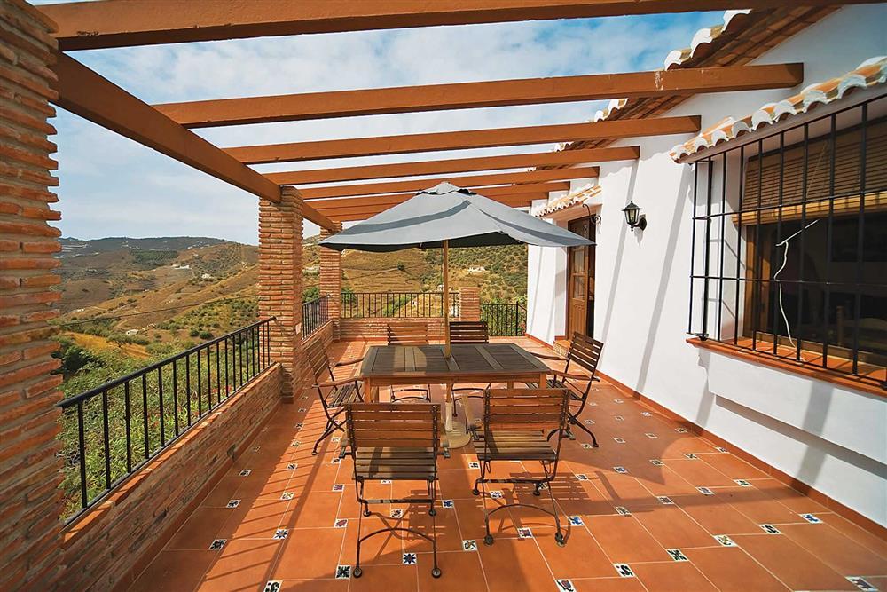 Alfresco dining, pergola at Villa Casa Jorge, Frigiliana, Andalucia, Spain