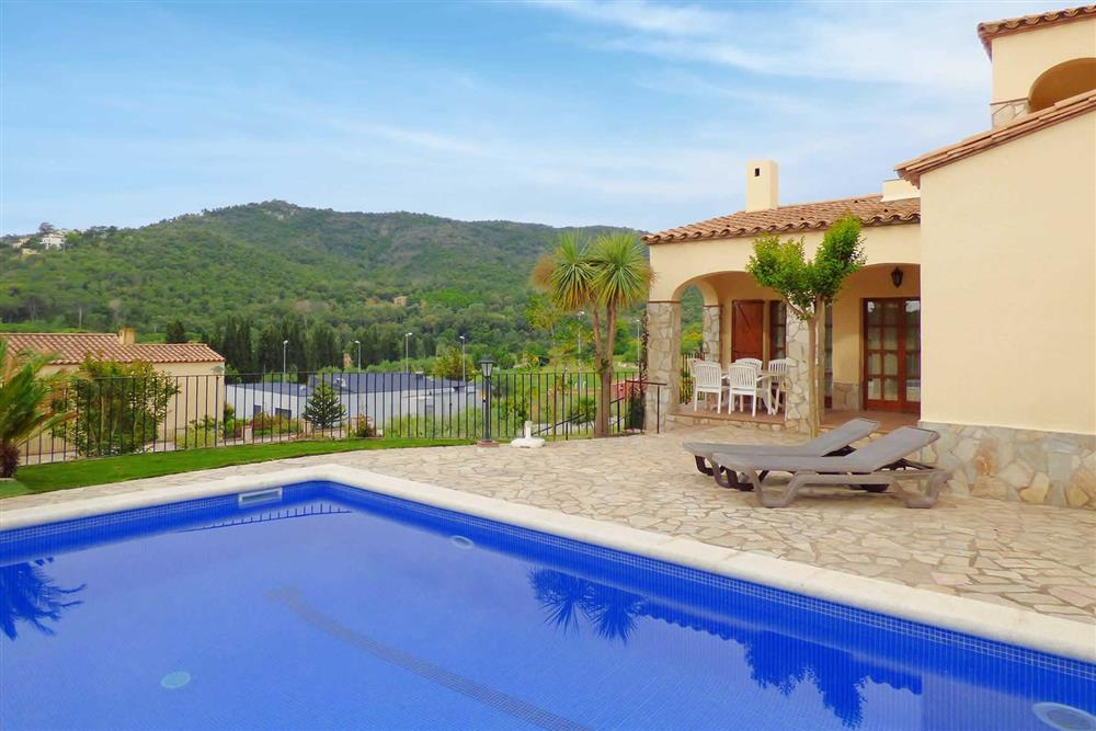 Villa with pool, view