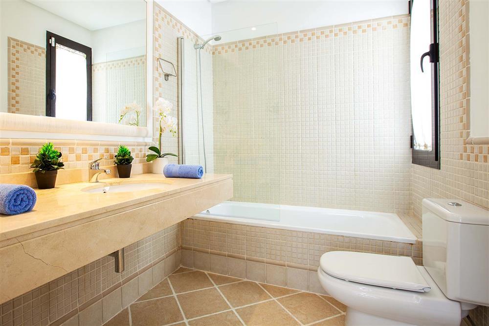Bathroom at Villa Cindy, Playa Blanca, Lanzarote