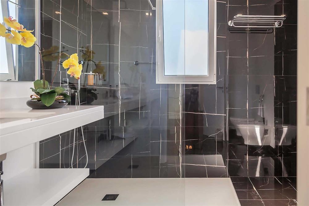 Bathroom (photo 6) at Villa Clementina, Funchal, Madeira